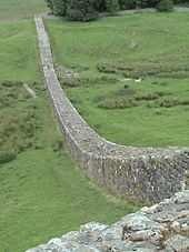 170px-Hadrian's_wall2
