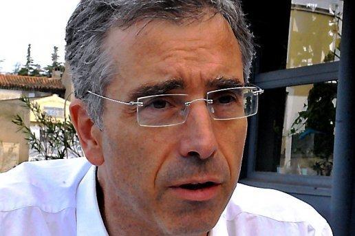 le-candidat-de-les-republicains-dominique-reynie-dans-la_636458_516x343